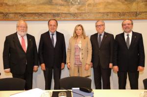 La vicepresidenta del Govern, Joana Ortega, amb els presidents de les 4 diputacions catalanes (Imatge de la Generalitat)