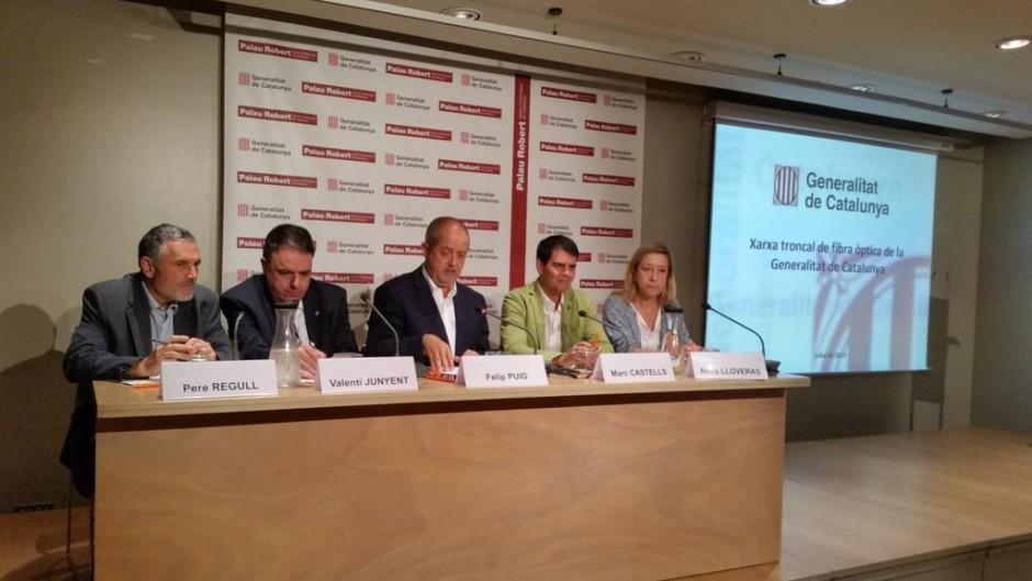 Acte de presentació del desplegament de fibra òptica al Palau Robert de Barcelona amb el Conseller Puig i els alcaldes