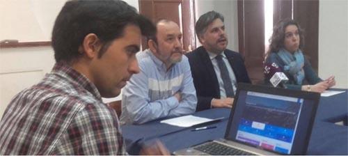 Presentació el 26 d'abril del nou web de l'Ajuntament de Valls (Fotografia extreta del Facebook de l'Ajuntament)