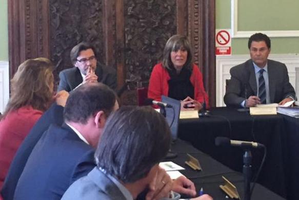 Núria Marín, alcaldessa de l'Hospitalet, escollida nova presidenta de la RECI