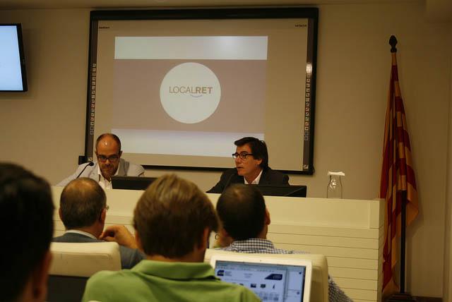 Miquel Buch, president de l'ACM, i Xavier Fonollosa, president de Localret, durant la presentació del conveni