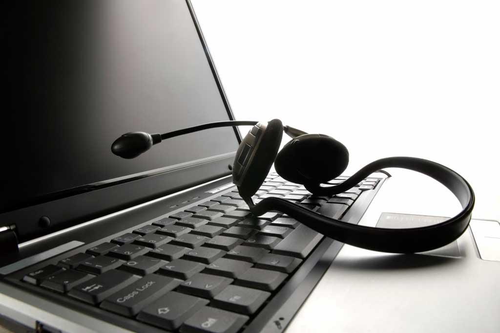 PC amb micro i cascos